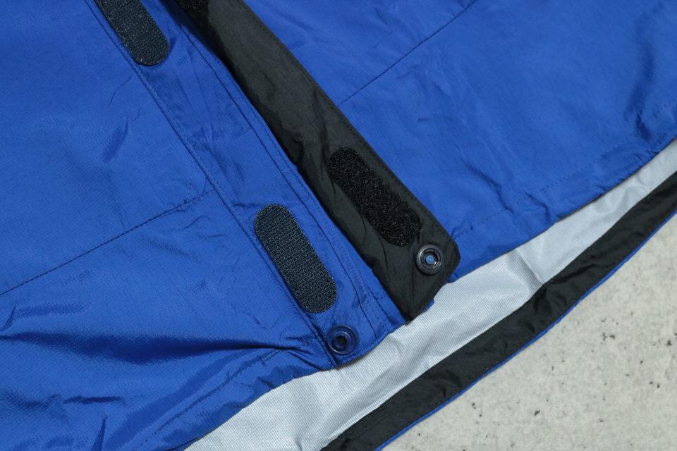 サンダーパスジャケットの裾
