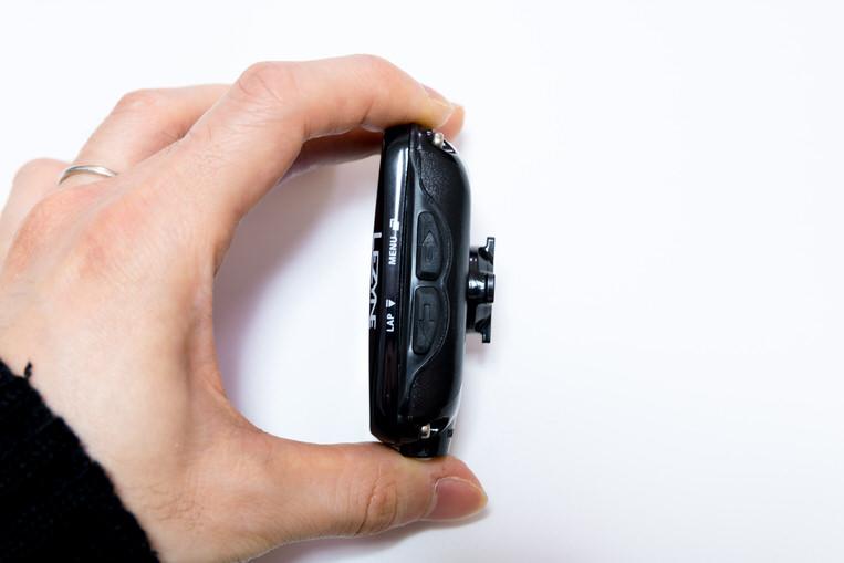 LEZYNE SUPER PRO GPSの右側面