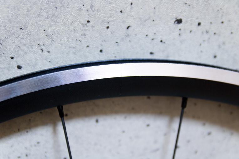 prime ホイール baroudeur のリムブレーキ面の接合部